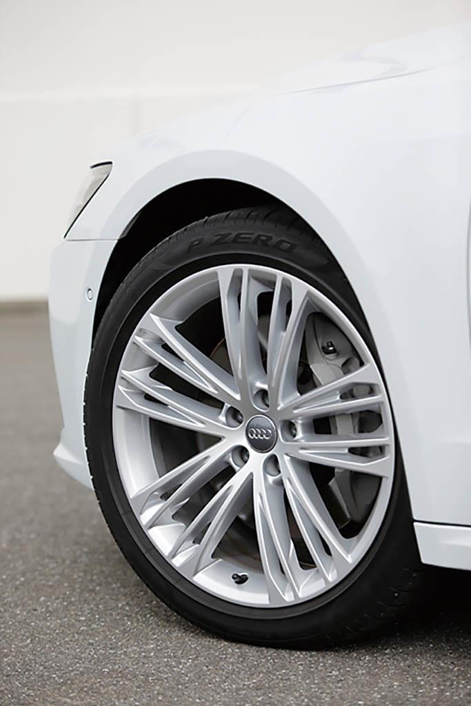 燃費向上の施策が影響したメルセデス・ベン予想を超えたアウディA7の実力が際立ち、メルセデス・ベンツCLS450は燃費向上の施策が影響!?【清水和夫のDST】#99-3/4