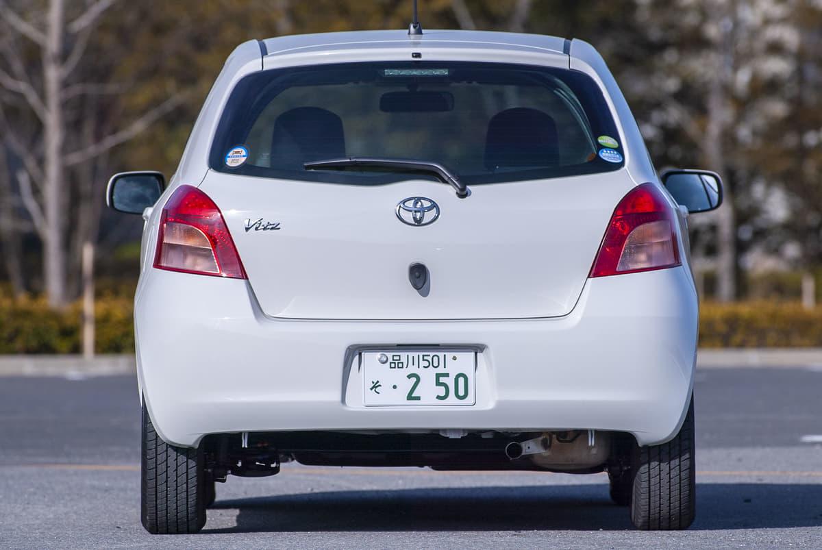 輸入車やレクサスの車名に数字が使われている理由