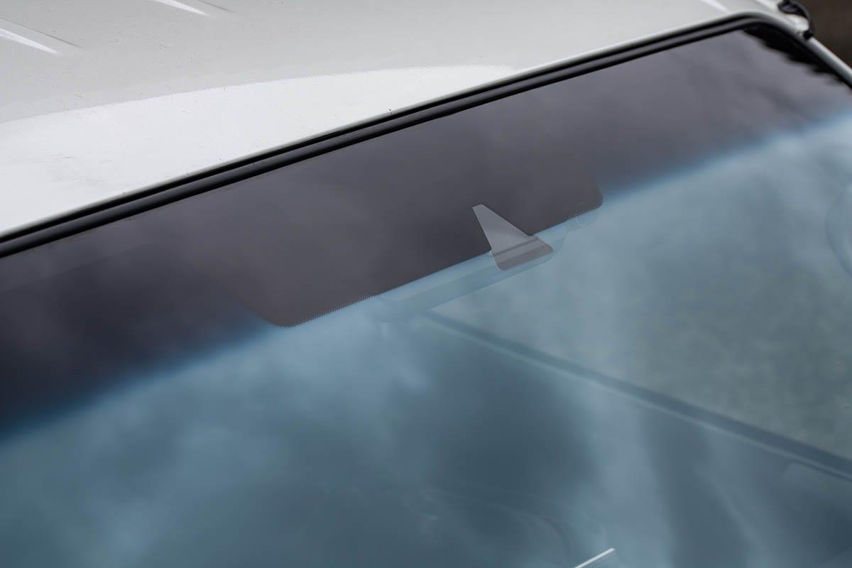 フロントガラスを合法的に欧州車風にカスタム! 暑さも寒さも紫外線もカットするコートテクトって!?