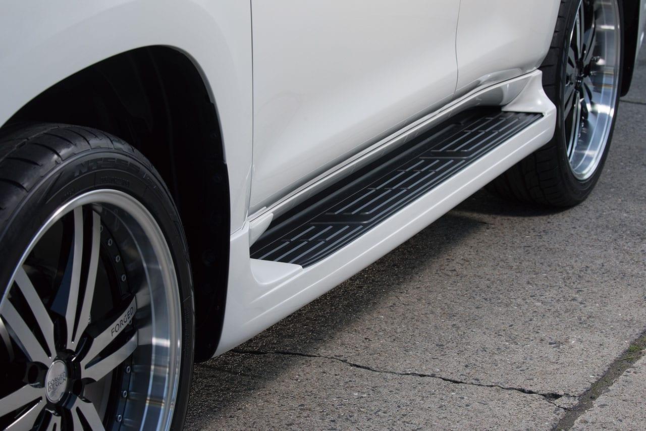 欧州プレミアムSUV系の裾まわりボリュームをランクルプラドに!|EXCLUSIVE ZEUS|150プラド カスタム