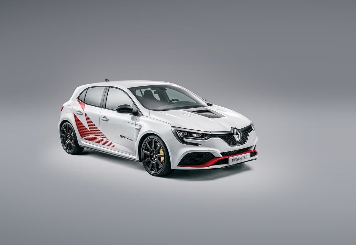 ニュルブルクリンクのFF最速車「メガーヌ ルノー・スポール トロフィーR」を日本導入