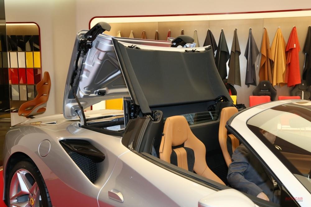 【日本上陸】フェラーリ新型「F8スパイダー」 F8トリブートのオープン版 内装/細部を撮影