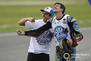"""【MotoGP】弟のアレックスが他チームだったら……マルケスお兄ちゃんは""""もっと""""心配で大変だった?"""