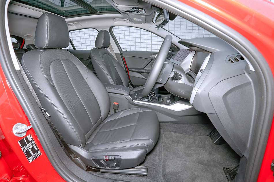【先代と比べてどうなの!?】 最新BMW1シリーズ試乗!! FFになってどう変わった??