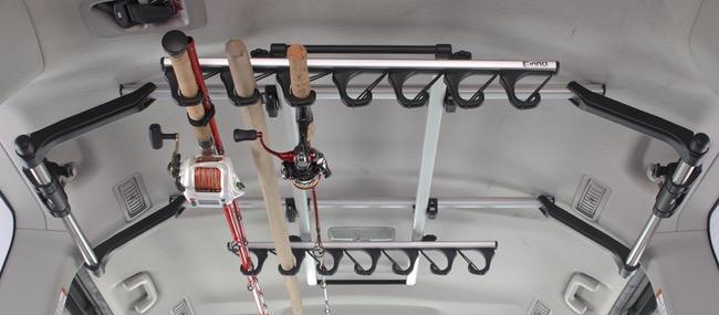 カーメイト、最長9フィートのロッドをリール付きで収納可能なルーフボックス「INNO ロッドボックス290(ブラック)」などを発表。釣りフェスティバル2020で初披露