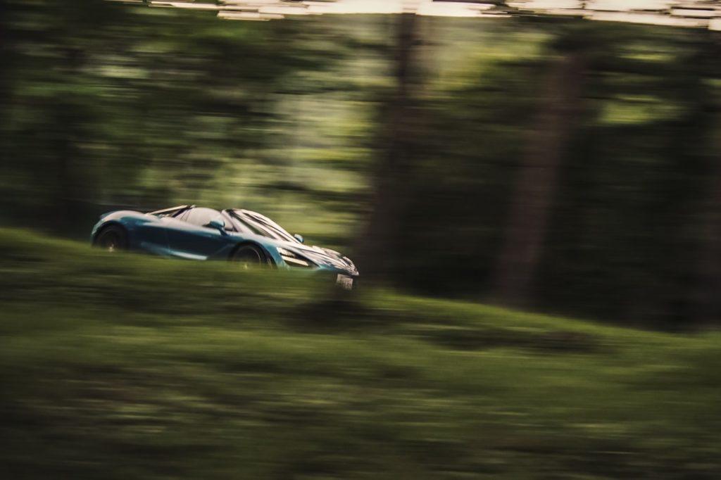 マクラーレン720S スパイダー試乗。秀逸なデザインに隠された本質的な性能【動画レポート】