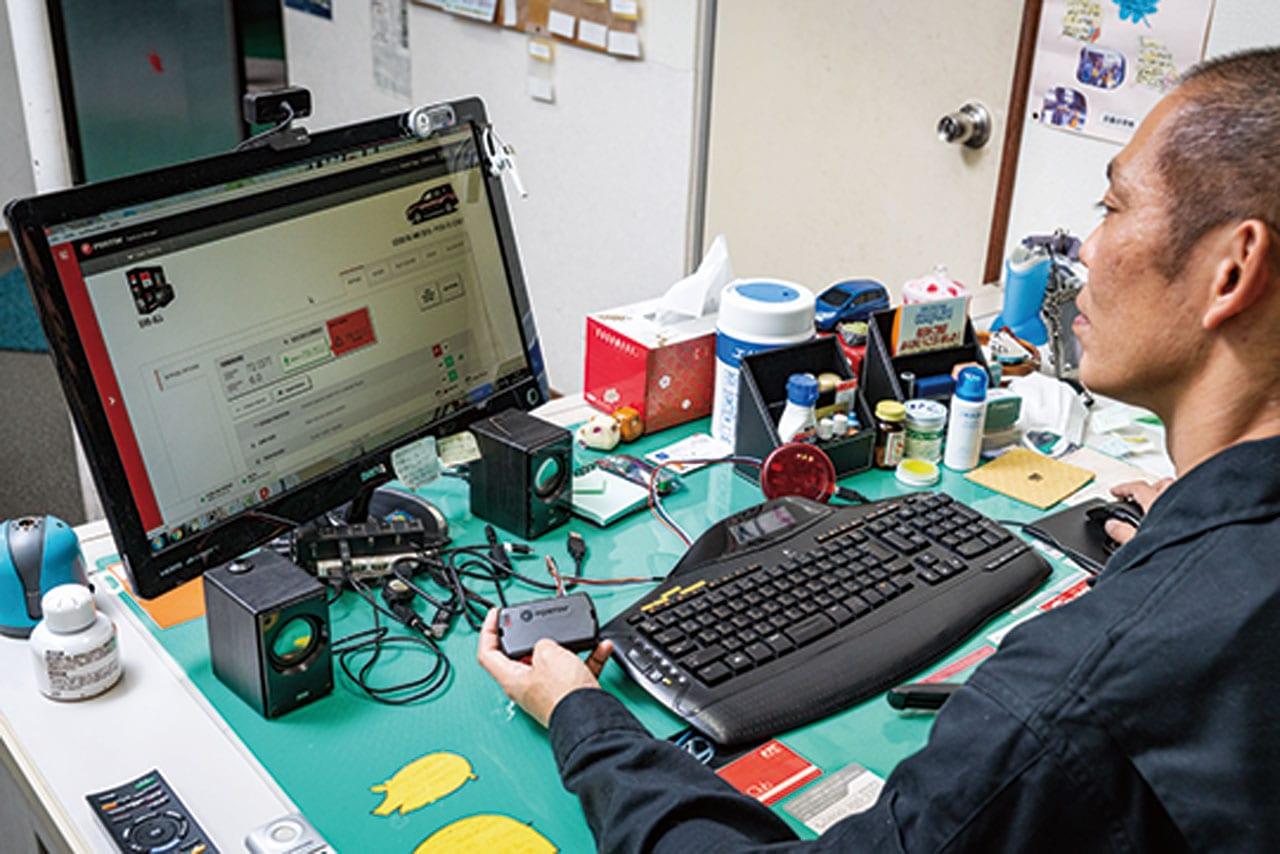 市場にないものは独自で開発! デジタル化されたセキュリティシステム|150プラド カスタム