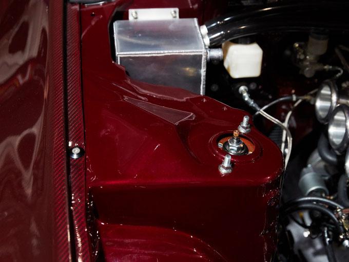 全身カーボンのR32スカイラインGT-R! NA+6スロで大人のツーリングカーに変身!【東京オートサロン2020】