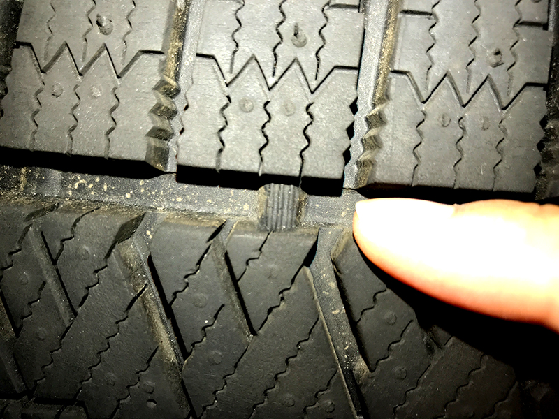 【スタッドレスタイヤは乗らなくても4年が期限】 雪用タイヤの寿命と長持ちの秘訣は?