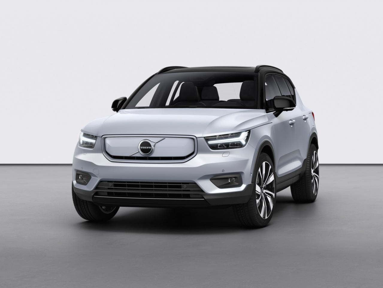 ボルボ初のピュアEV「V40リチャージ」が今年後半から生産開始! 一回の満充電で400kmの走行が可能な「V40リチャージP8 AWD」が市場導入へ