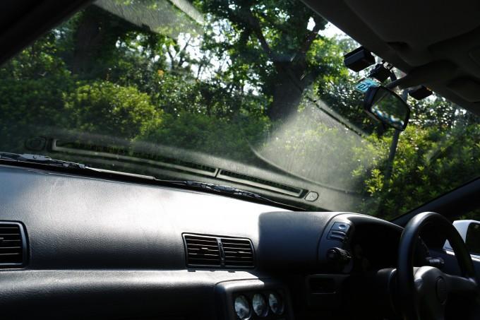 【洗車やワックスがけを小まめにやっても効果なし! 】次第にクルマのボディが退色する理由と対策