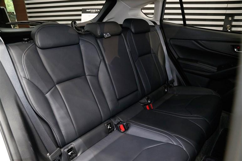 """新型インプレッサは""""スバル車のど真ん中""""。右ハンドルの国内仕様を初公開"""