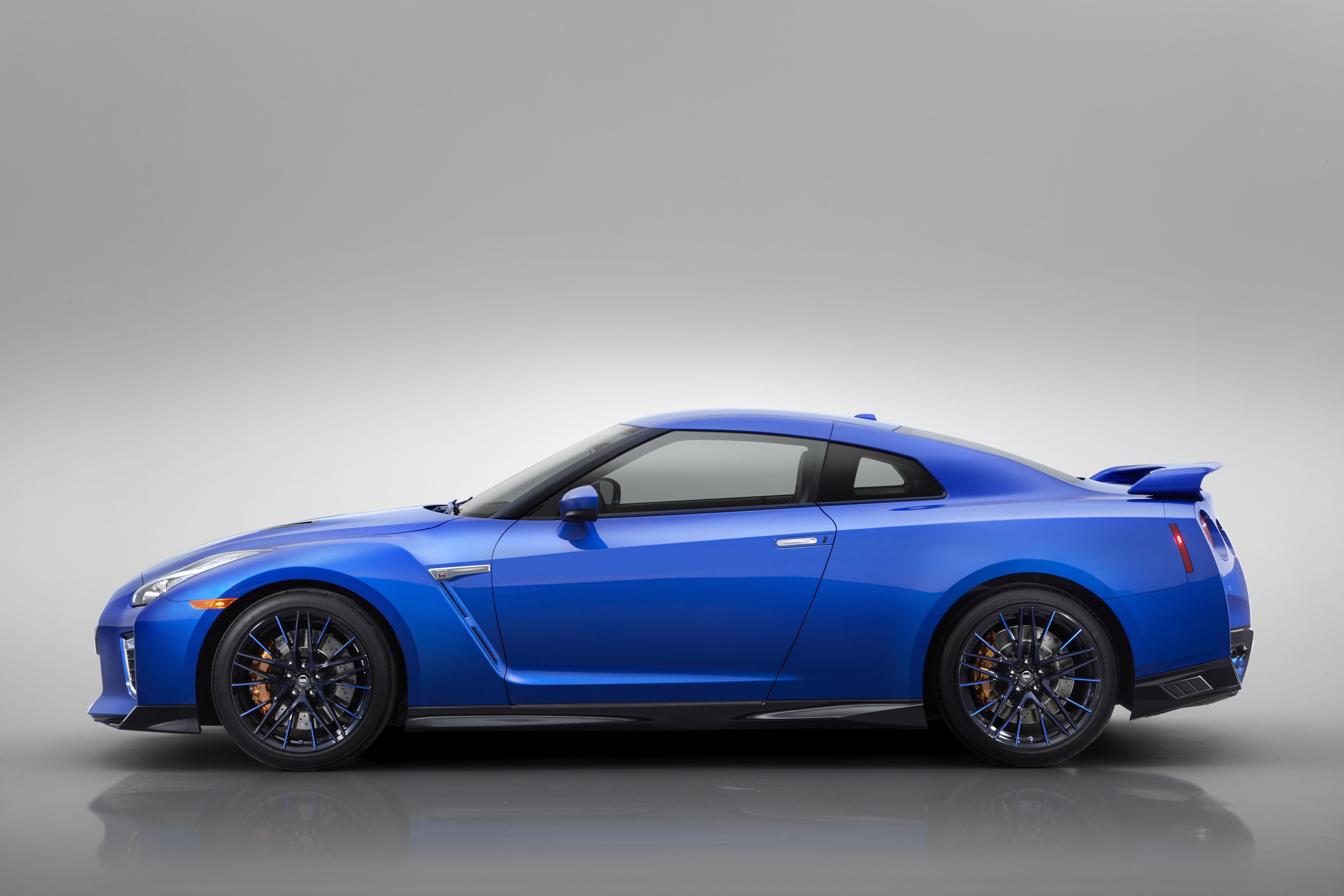 日産、GT-Rの2020年モデルをNYショーで発表 50周年限定車も