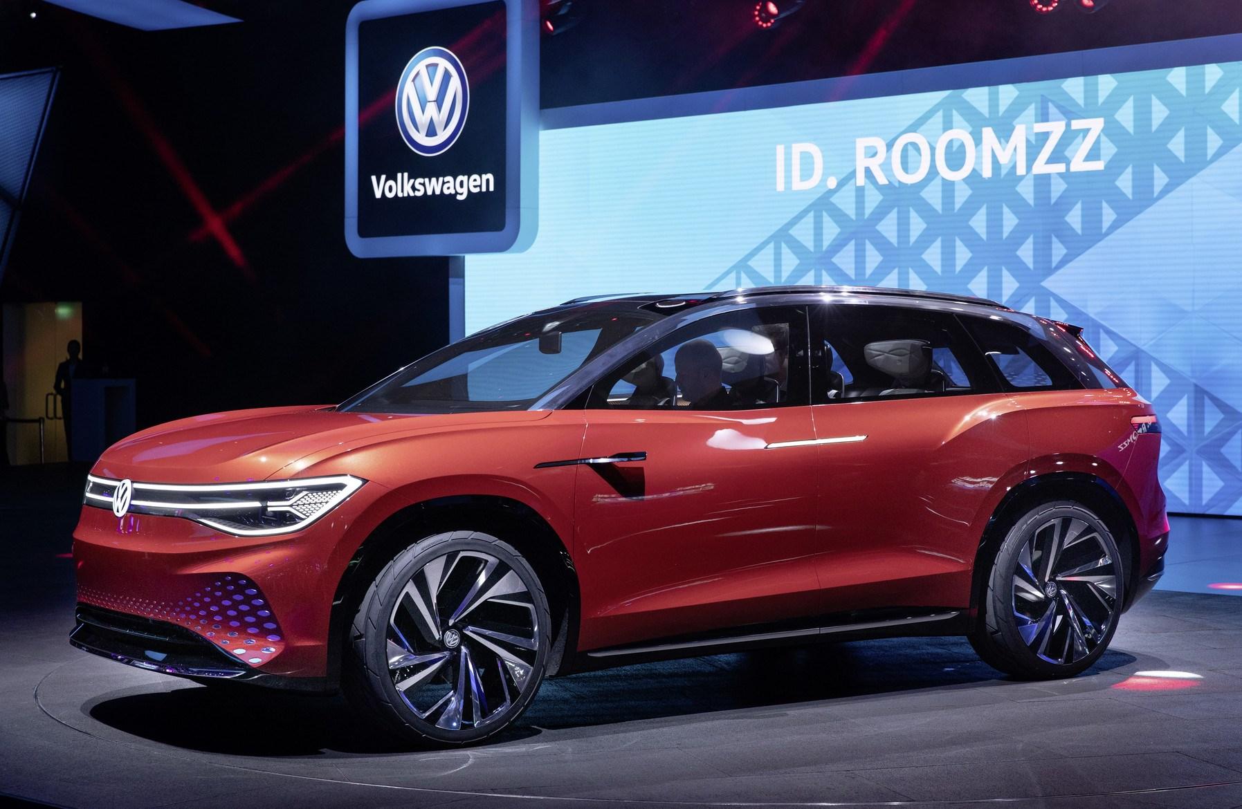 フォルクスワーゲン、新型SUVのコンセプカーを世界初公開