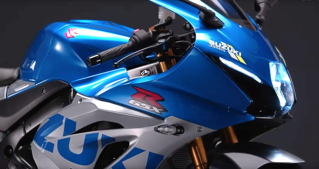"""【速報】スズキWEBモーターサイクルショーで「GSX-R1000R」の""""特別色""""となる「スズキ100周年カラー」が公開中! MotoGPマシン「GSX-RR」のカラーリングで市販化に期待!"""