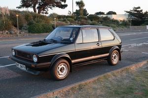 【走行2.7万km】新車に近い初代VWゴルフGTIがオークションへ 予想落札価格410万~560万円