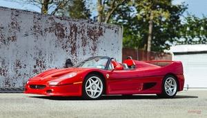 フェラーリF50のプロトタイプがオークションに登場 ラウダやベルガーがテスト