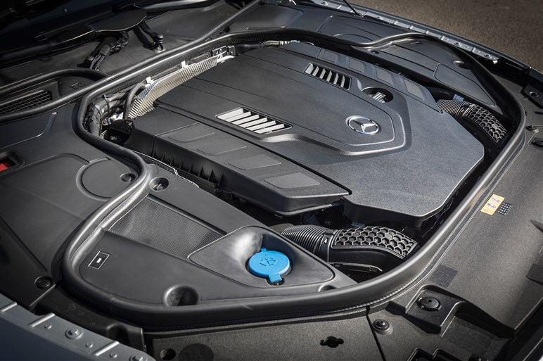 メルセデス Sクラスクーぺ/カブリオレのマイチェンの詳細が明らかに 新世代エンジンにも注目