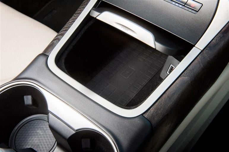 リンカーン、ミッドサイズSUV 新型ノーティラスを投入 高級SUVの新たな価値を訴求