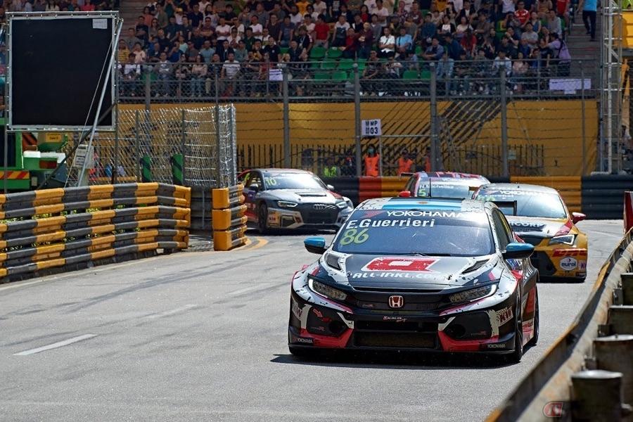 ライダーとドライバーのリレー動画をホンダ・レーシングが公開!
