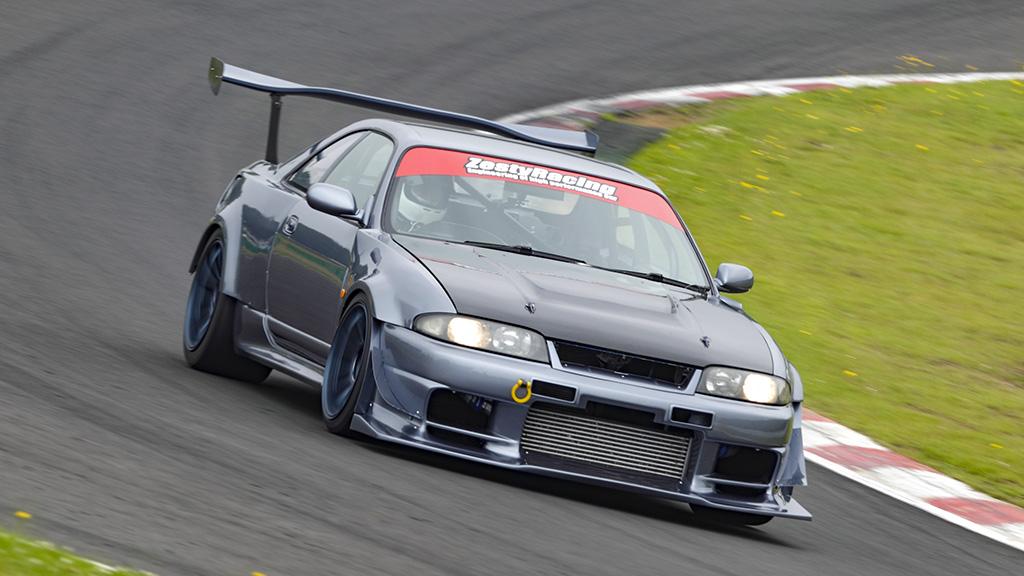 「新車ワンオーナーから進化を続ける魔改造ECR33」GT-Rをも撃墜する驚異の戦闘力