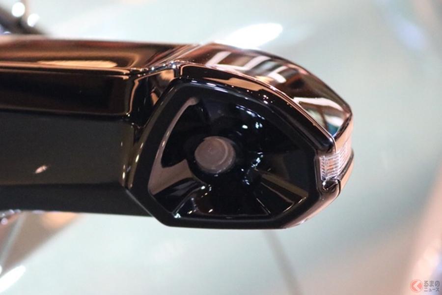 新型セダン、レクサス「ES」が発売 量産車世界初となるドアミラーレスを採用