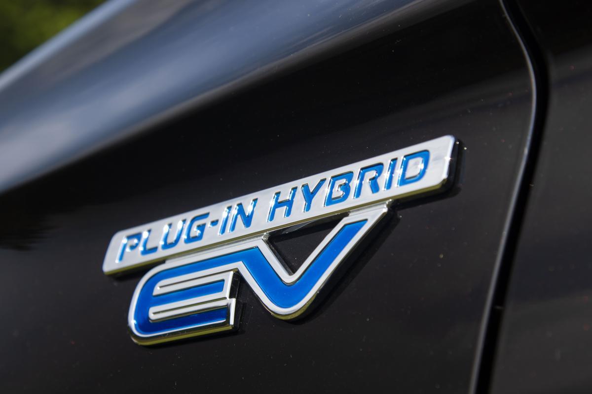 トヨタ・ホンダに割って入る三菱の技術力! 本格化する国産PHEVの覇権争い
