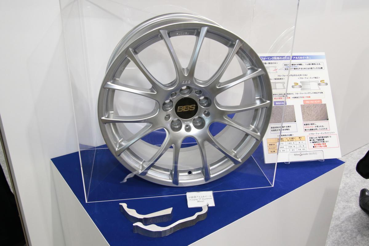 日本スピンドル製造:BBS製アルミホイールの軽さを支えるのは「鍛造」だけとは限らない!…フローフォーミング加工