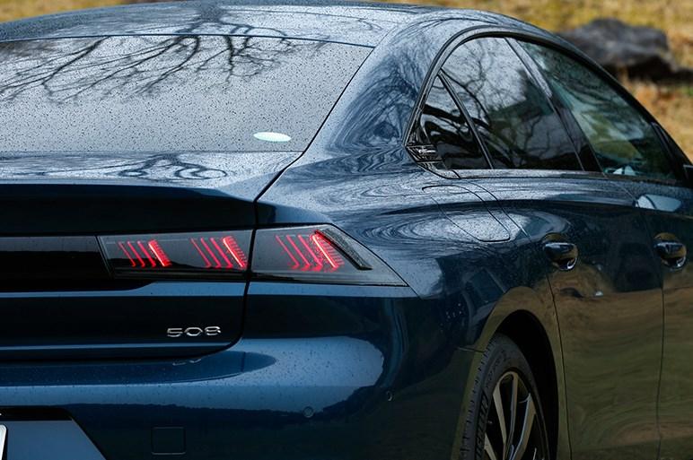 新型プジョー 508はドイツ勢とは異なる価値観を楽しめる選択。ガソリン車が好印象