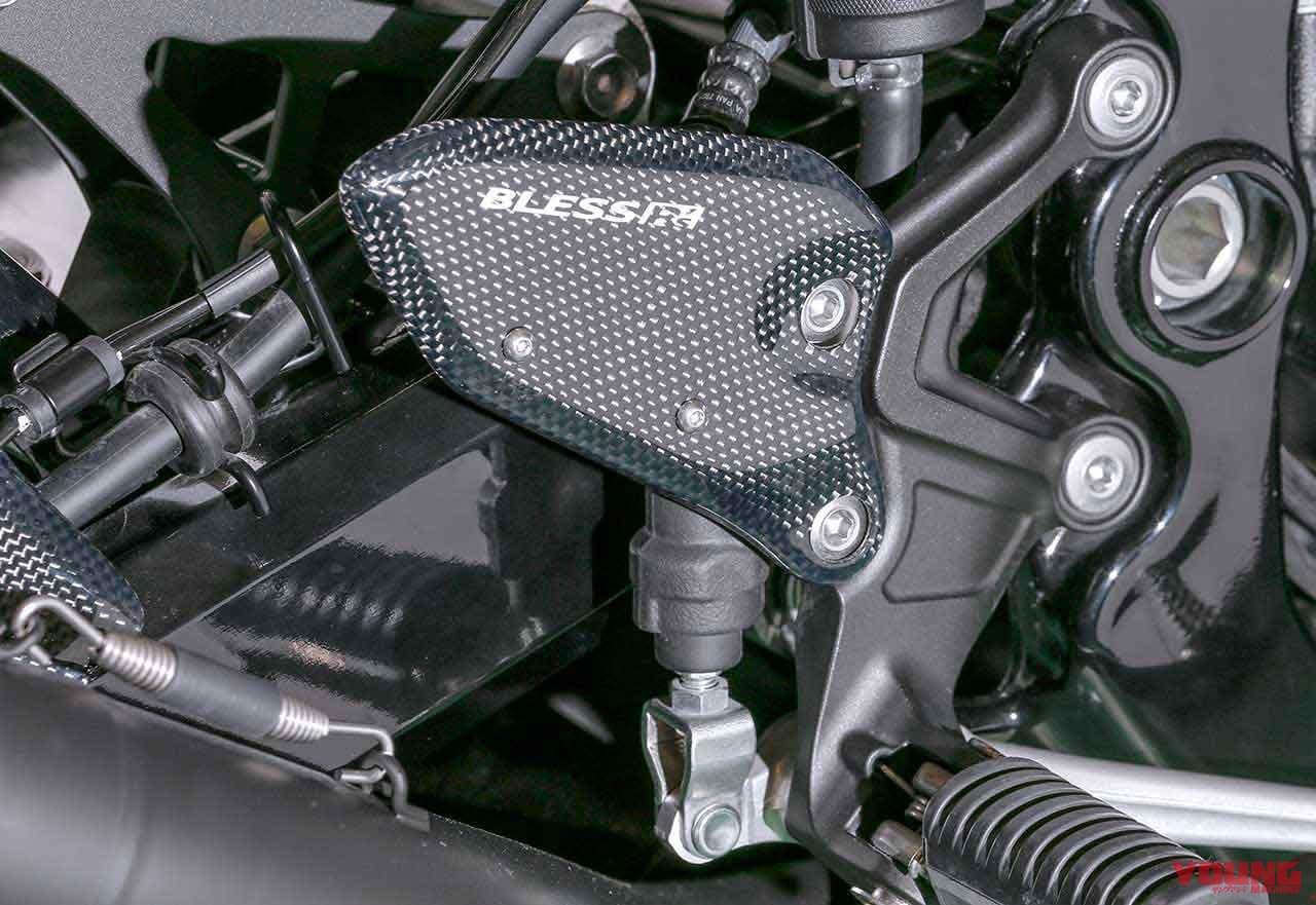 カワサキZ900RSをカーボンエアロでスポーティにドレスアップ【ブレス アールズ】