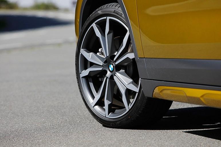 "X2 試乗 BMWの新しい""偶数モデル""の提案をどう理解する?"