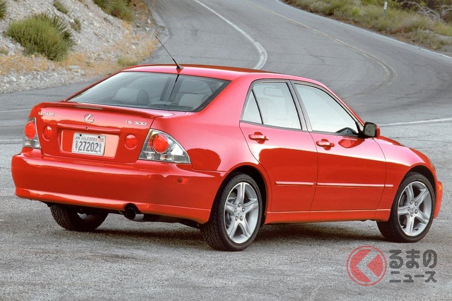「アルテッツァ」登場から20年 レクサス「IS」初代vs最新 スポーティで小さな高級車の変遷