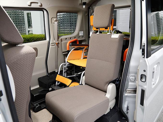 【福祉車両】日産 NV100 クリッパーリオ チェアキャブ|軽ながら便利で快適な室内空間を備えた1台