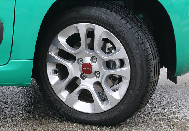 「魅力あるコスパ車を探そう」イタリアンカジュアルの定番。2気筒ターボを積むフィアット・パンダのライブ感
