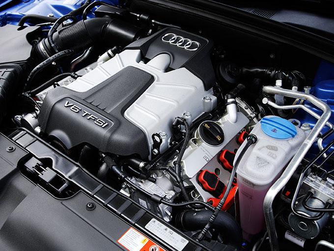 絶滅危惧車の5代目アウディ S4は、中古車のコスパがめっちゃ高いモデルだ! 台数は少ないが今ならまだ間に合うぞ!!