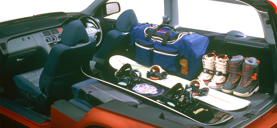これぞヴェゼルの先駆車!? ホンダ HR-Vの果敢な挑戦と苦悩【偉大な生産終了車】