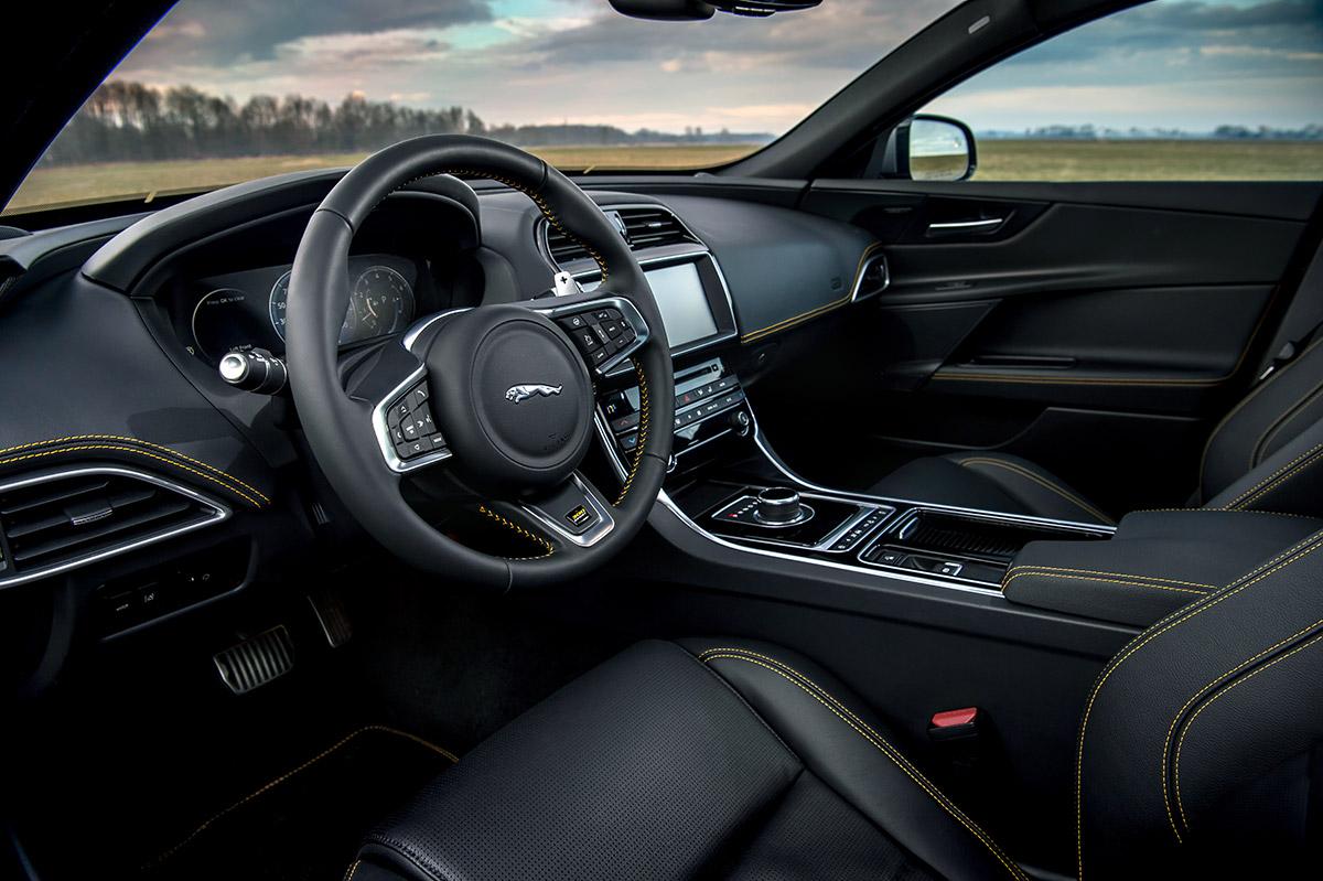 限定グレード「LANDMARK EDITION」&新グレード「300 SPORT」を追加したジャガー「XE」2019年モデル受注開始
