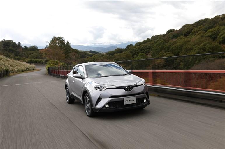 トヨタの新型コンパクトSUV「C-HR」、プロトタイプ速攻試乗