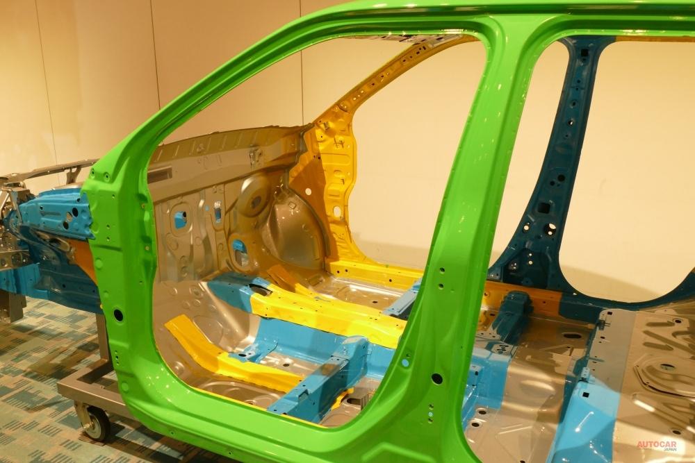 ダイハツ・ロッキー新型/トヨタ・ライズに試乗 新型CVT「D-CVT」が好印象 日常~レジャーをカバー