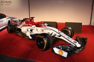 アルファロメオから、F1参戦を記念した限定車「ジュリア/ステルヴィオ 」にF1トリビュートを設定して発売