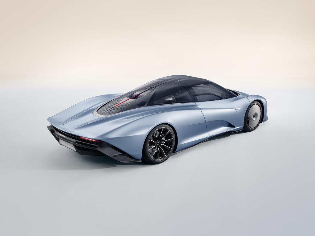 マクラーレン・スピードテールが登場! 最高出力1050ps、最高速度はなんと403km/h!