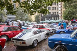 世界の名車が東京・汐留に集結!「コッパ・ディ・東京」約100台のクラシックカーが都内を走った