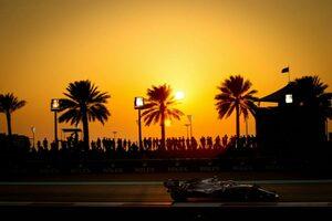 予選2番手のボッタスは最後尾から/F1アブダビGPグリッド