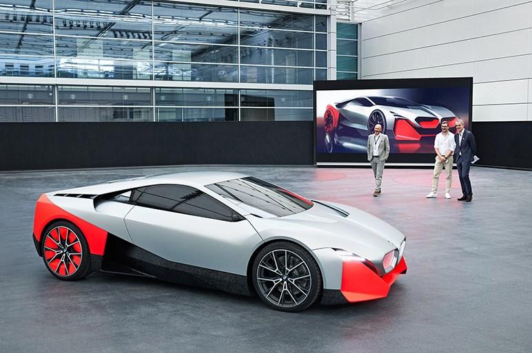 独BMW、ビジョン M NEXTを世界初公開。未来のスポーツドライビングを具現化