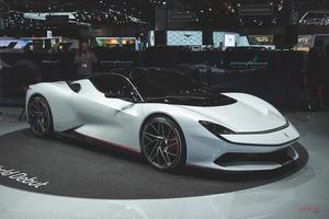 1900ps超EV ピニンファリーナ・バッティスタ発表 最高速度350km/h