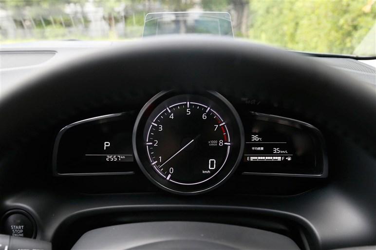 アクセラが大幅改良。新採用1.5Lディーゼルの走りもチェック