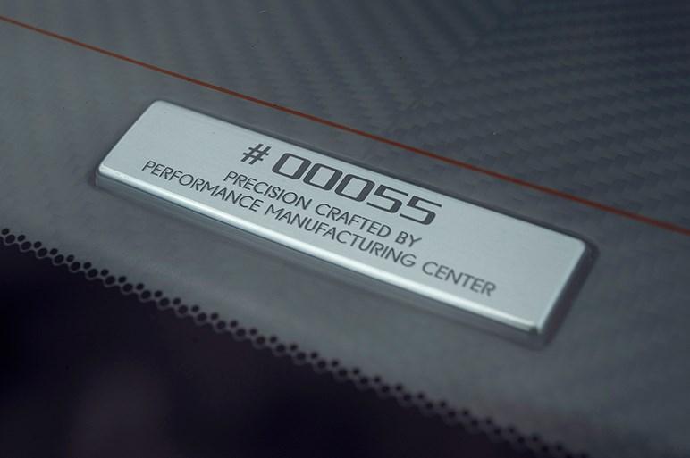 NSX一般公道試乗。見えてきた美点と欠点、販売問題も