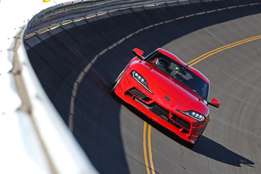 「GRスープラって300km/h出るの!?」フェニックスパワーのデモカーでガチ検証!