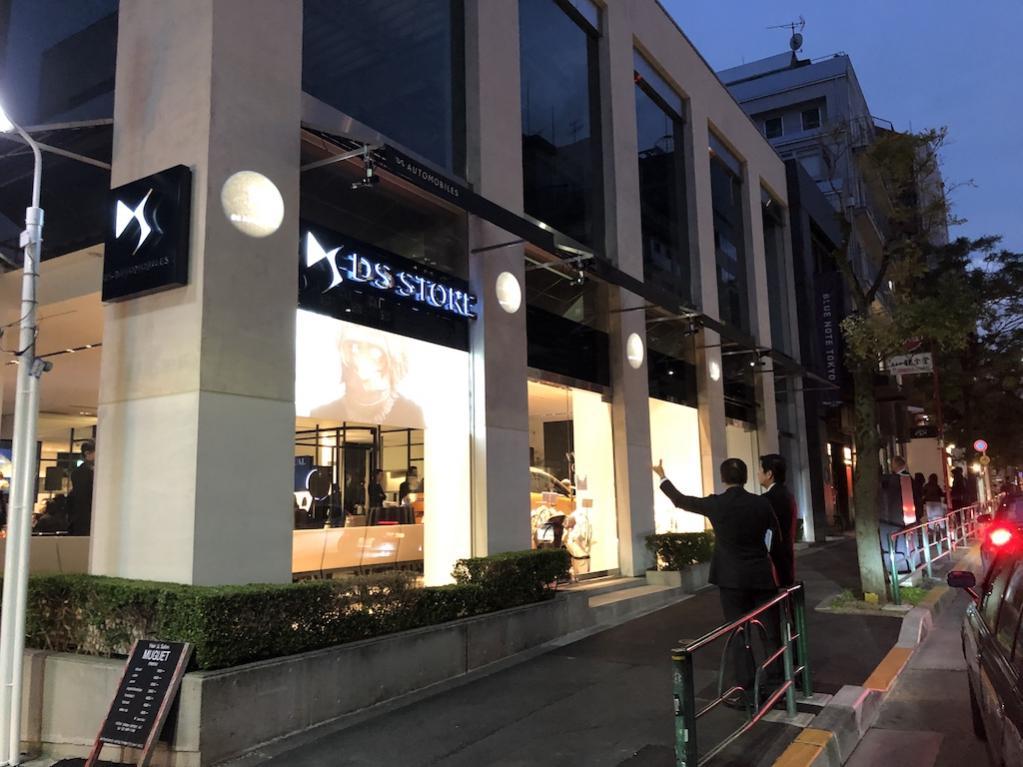 超オシャレな南青山にDSオートモビルの旗艦店がオープン!!