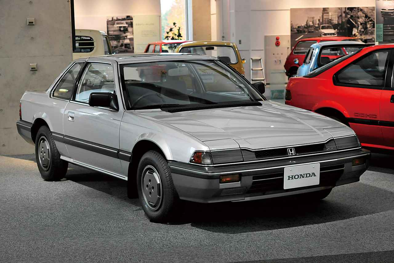 【自動車博物館へ行こう】2代目プレリュードのスーパーカーのようなスタイリングに当時の驚きが思い浮かぶ